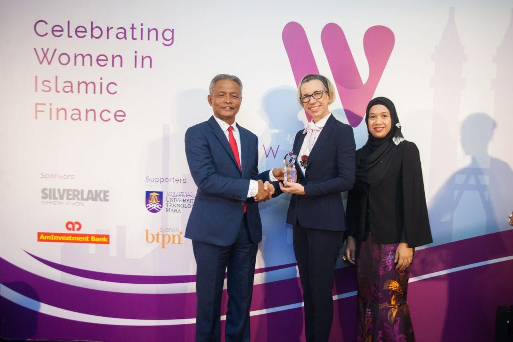 DDCAP Group Managing Director, Stella Cox CBE tops the WOMANÍ List for the second consecutive year as the most influential woman in Islamic Finance.